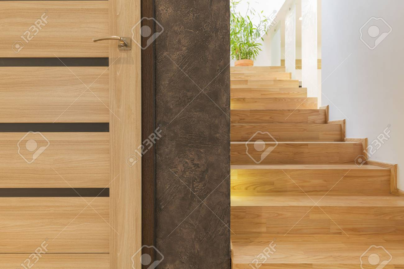 Einfache Holztreppe Stock Photo