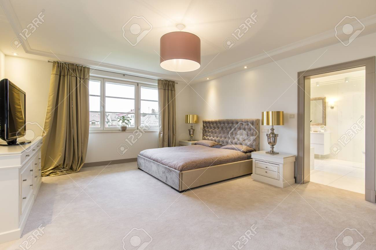 Minimalistisches Schlafzimmer Stock Photo