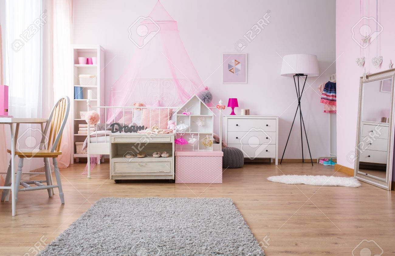 Lampe Schlafzimmer Rosa Stock Photo