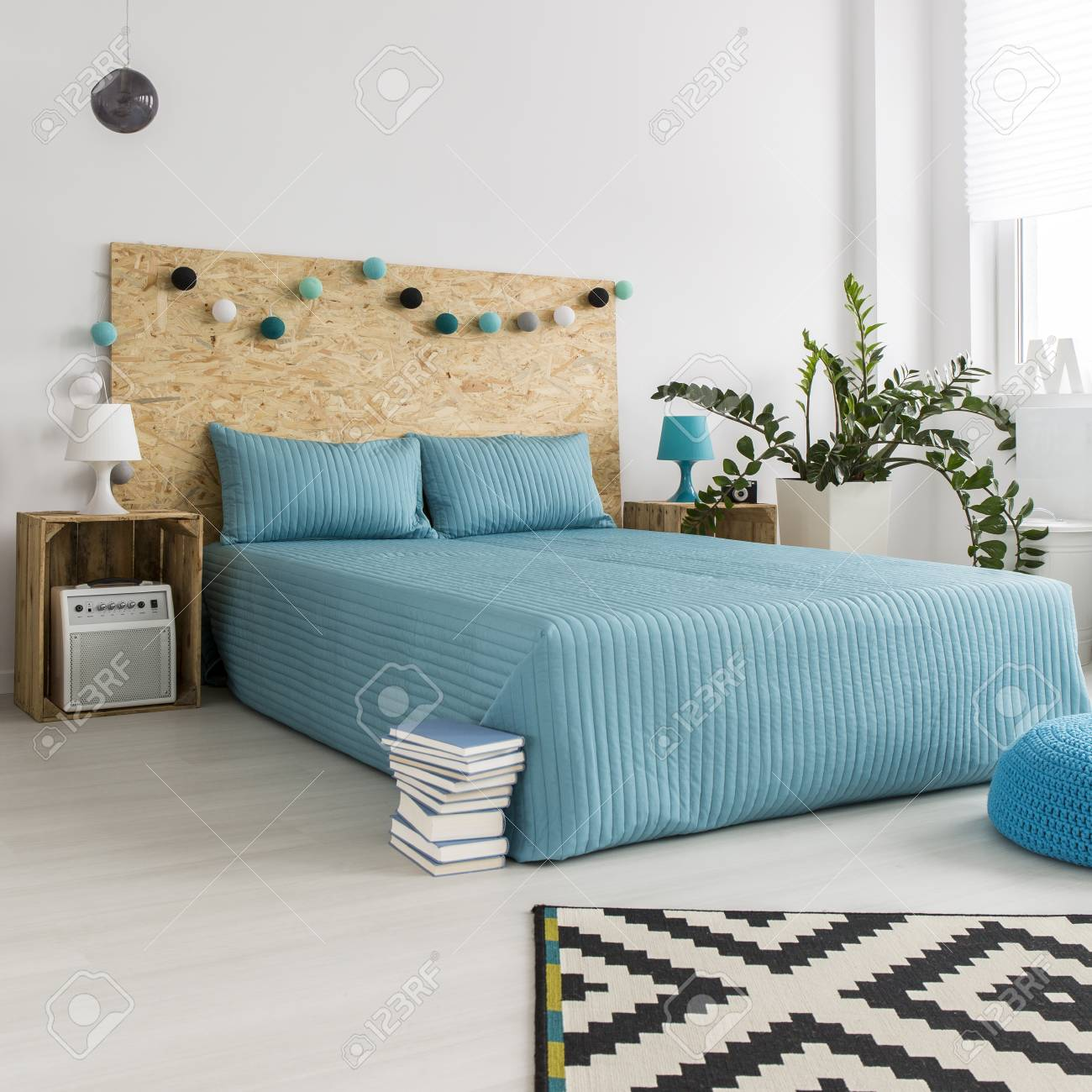 Camera Da Letto Hipster Blue Bedcover On The Bed In Modern Minimalist Bedroom With Diy