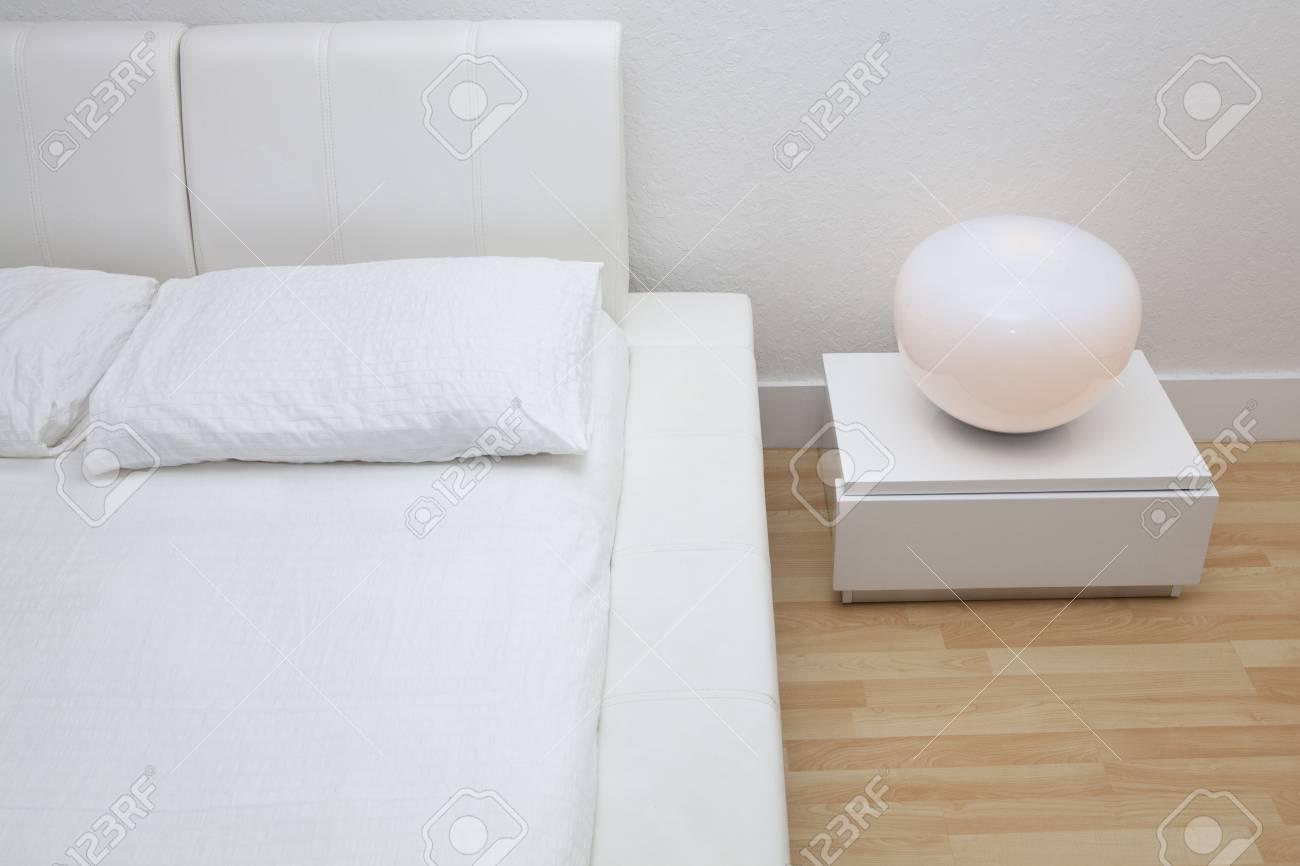Comodino alto comodino in legno 28 images mobili d arte comodino