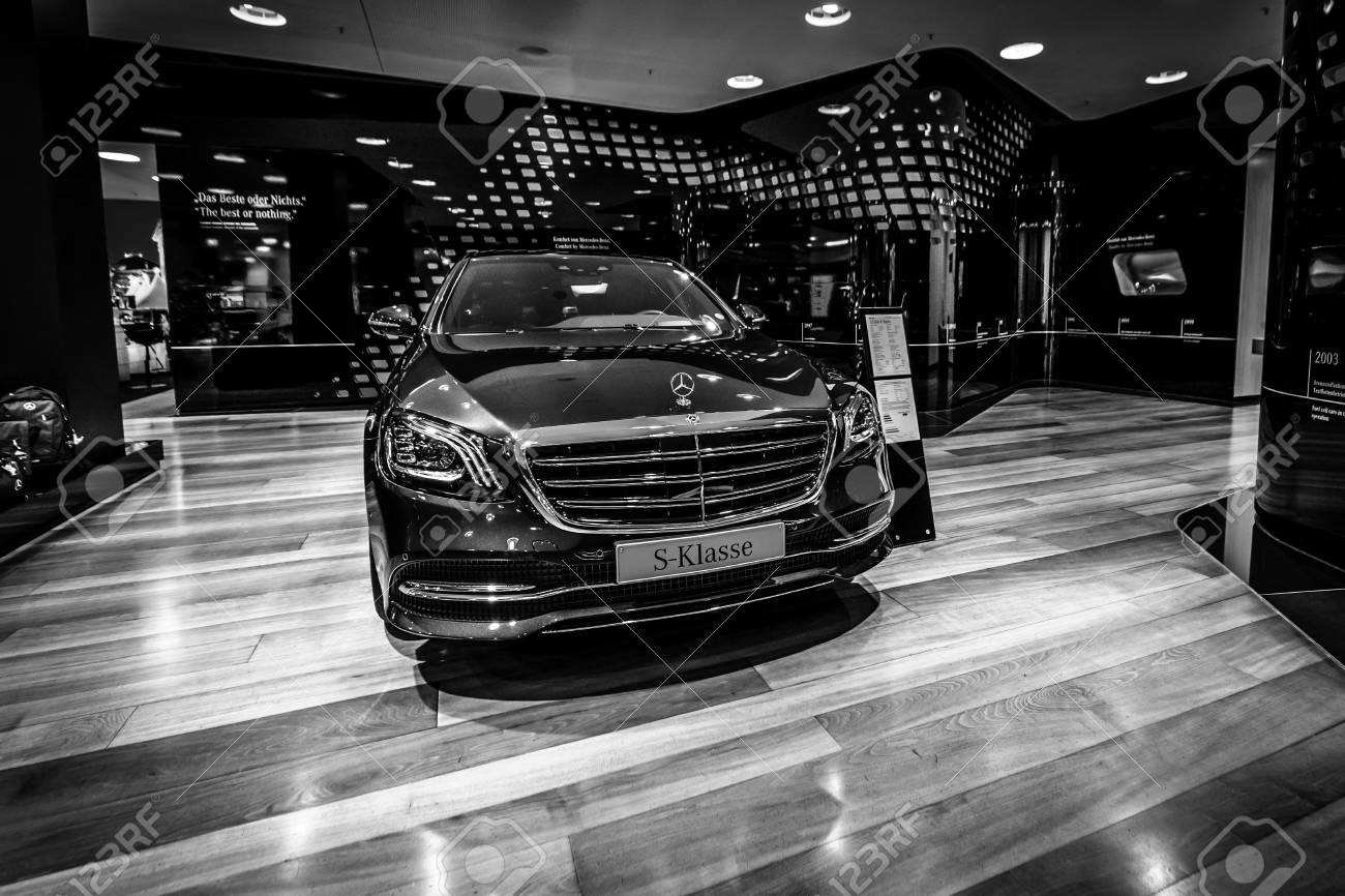 Berlin December 21 2017 Showroom Full Size Luxury Car Mercedes Benz Stock Photo Picture And Royalty Free Image Image 92971207
