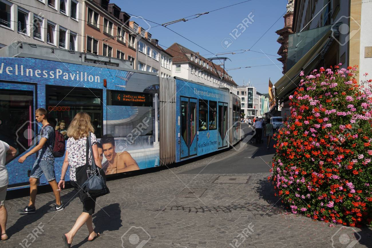 Pavillon Würzburg Wurzburg Germany Sep 12 2016 Streetcar Runs Through Central