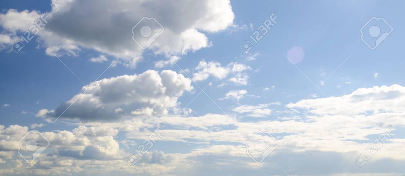 Blancas Nubes Esponjosas En El Cielo Azul, Vista Aérea De Fondo - fondo nubes