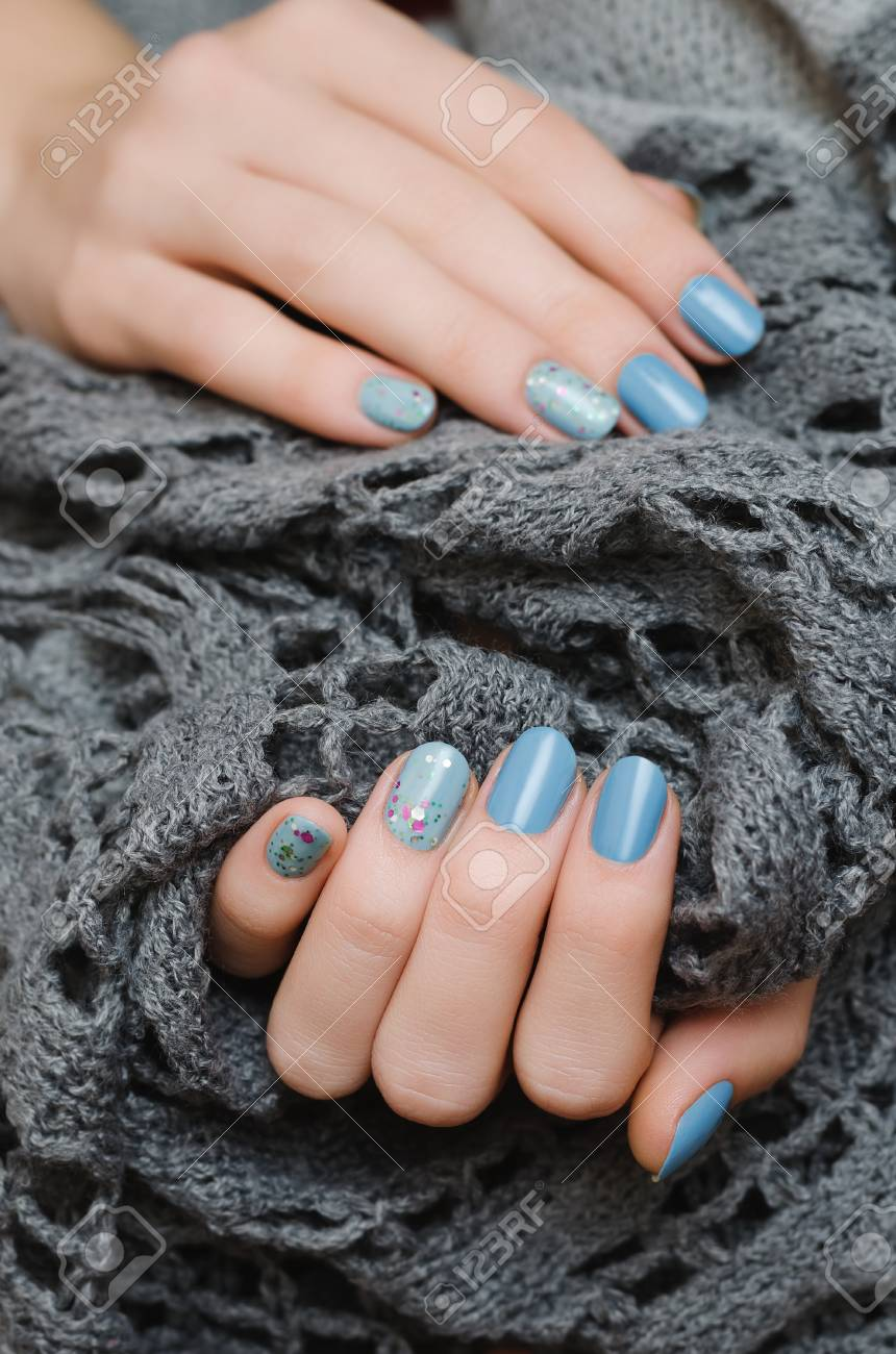 Nageldesign Mit Glitzer Stock Photo