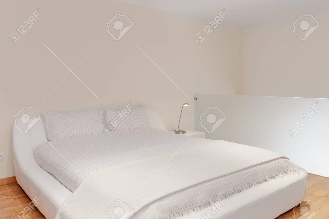 Fußboden Schlafzimmer Quest ~ Schlafzimmer fußboden ecke ein luxus schlafzimmer mit weißen