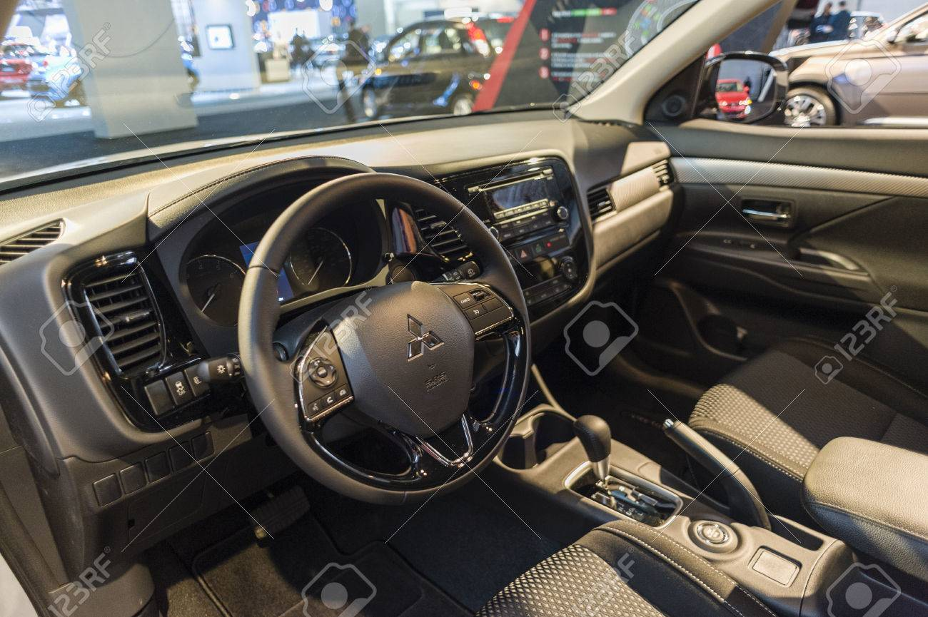 Interieur Mitsubishi Outlander New York Usa March 24 2016 Mitsubishi Outlander Interior