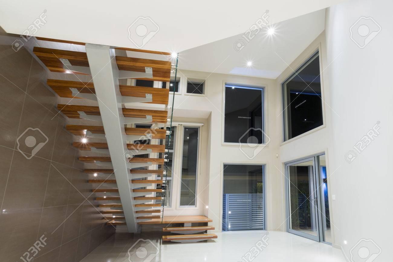 Decoration Interieur Avec Escalier   Deco Noel Escalier Interieur