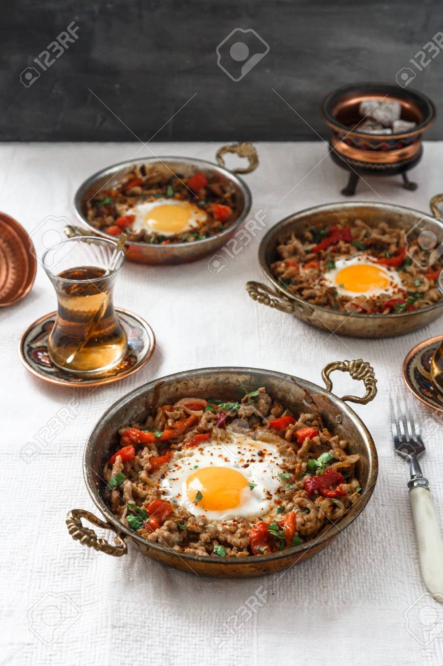 Beef Stock Kaufen Fried Egg With Mince Meat In Traditional Turkish Pan Top View