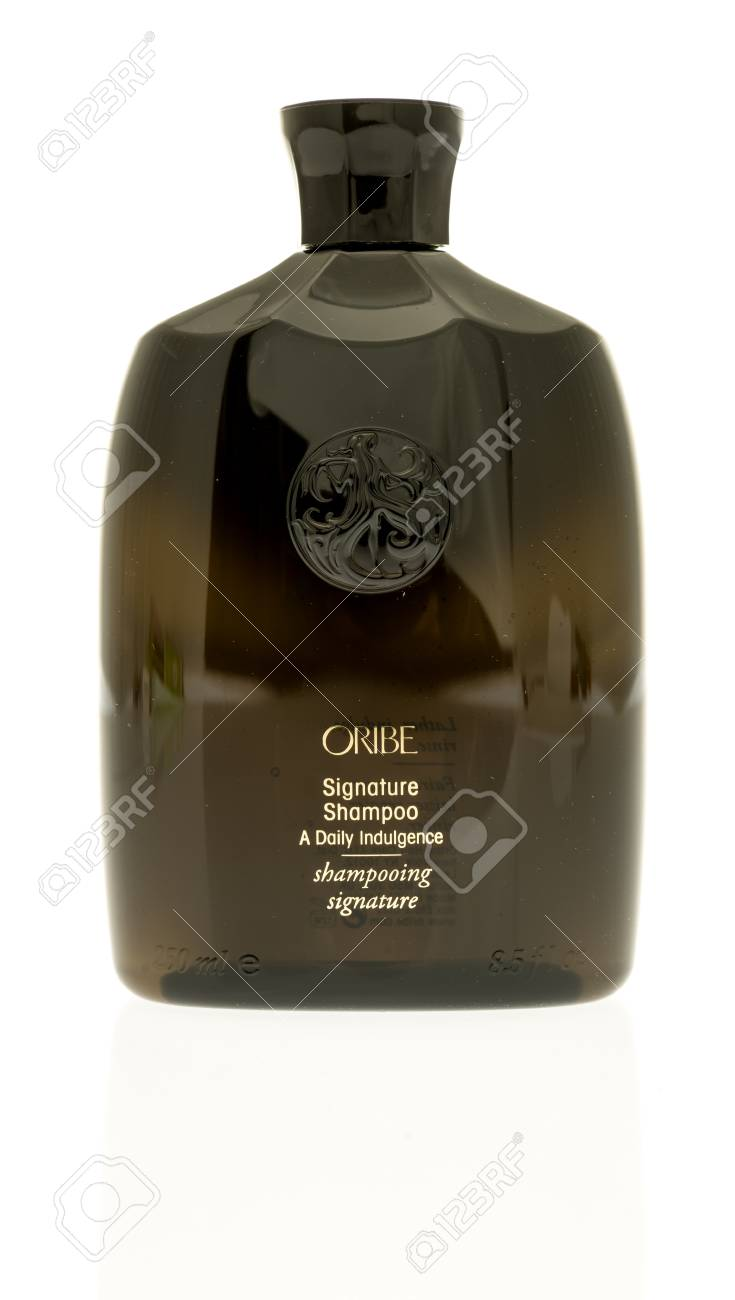 Oribe Shampoo Winneconne Wi 19 September 2017 A Bottle Of Oribe Signature