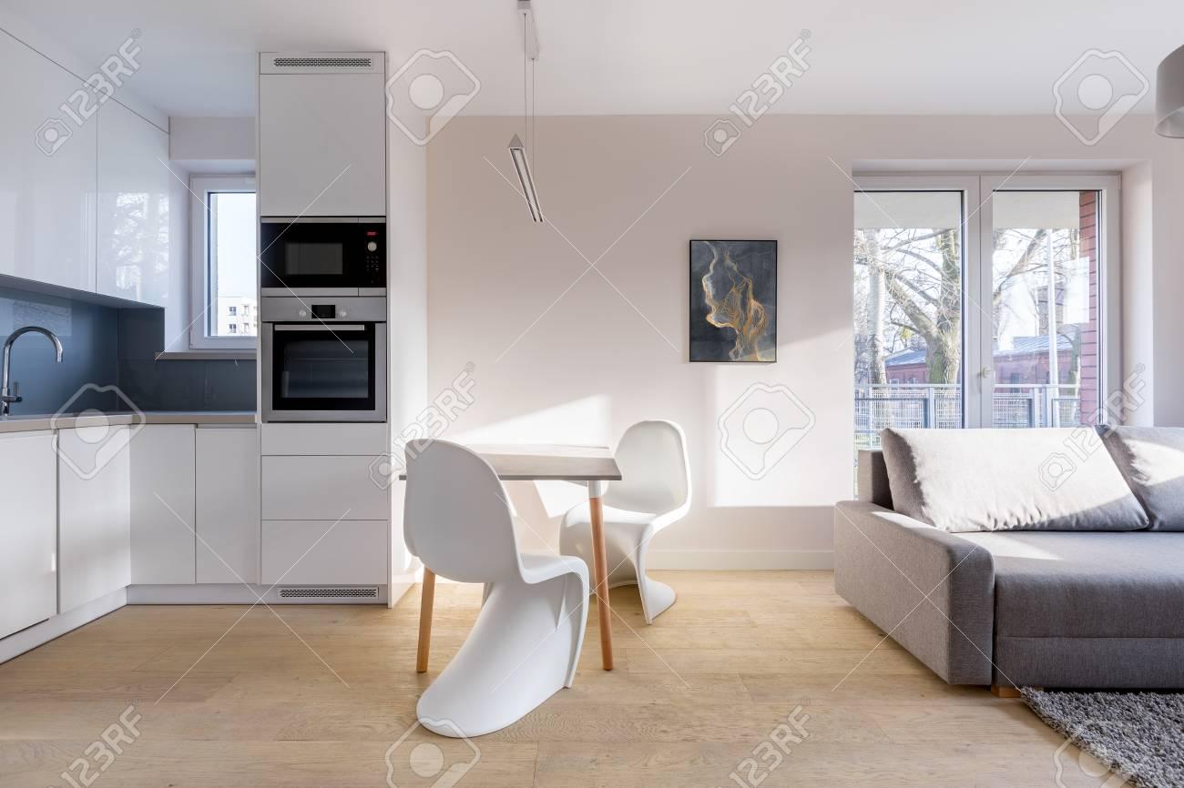 Küchenschrank Mit Tisch Runder Esstisch Für Kleine Küche