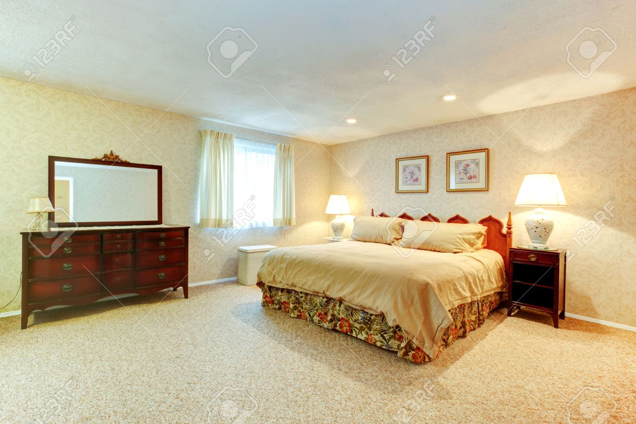 Schlafzimmer Tapete Beige Stock Photo