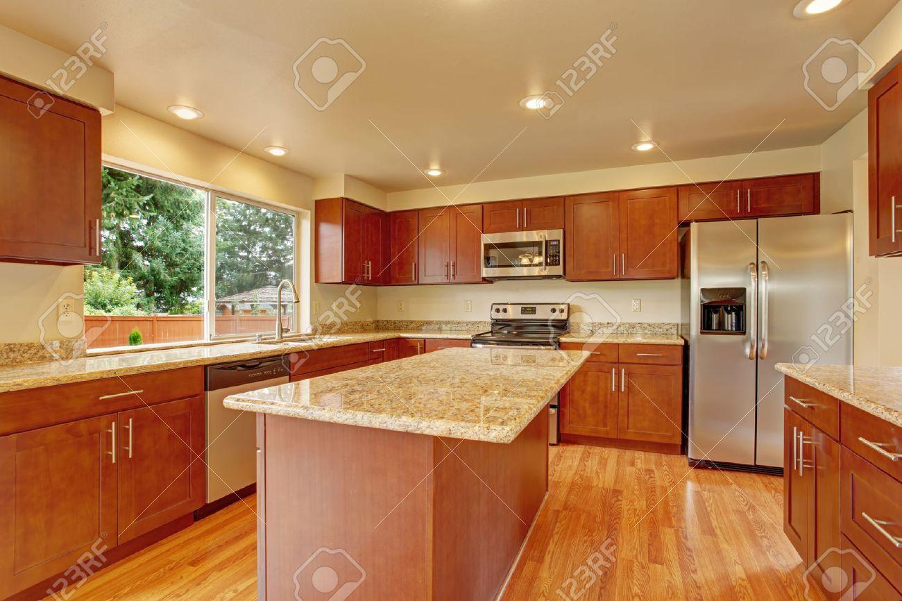 Top Cucina In Legno Grezzo : Cucina legno grezzo e acciaio lusso piano tavolo legno grezzo