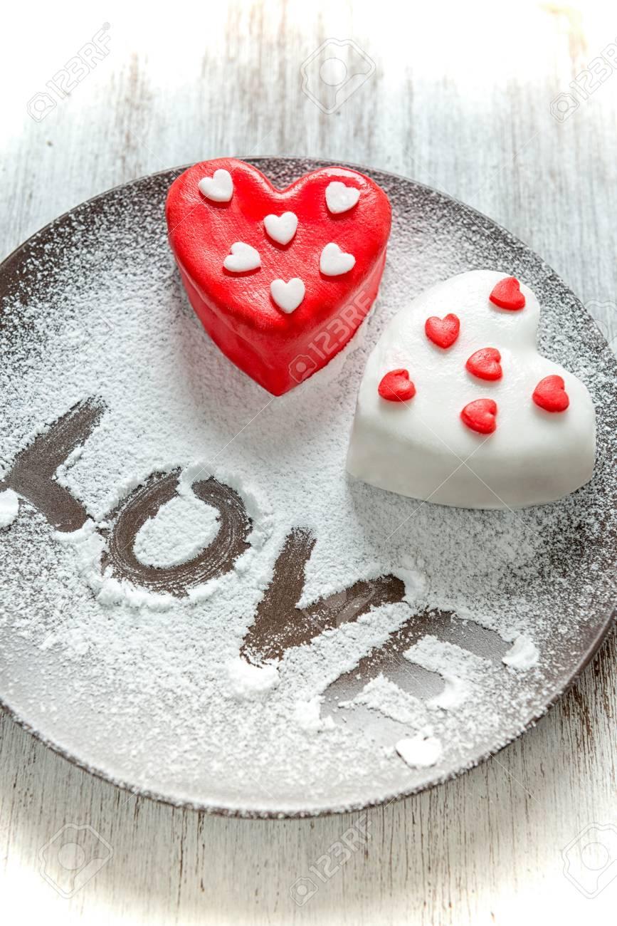 Valentinstag Kuchen In Herzform Herz Pralinen Fur Valentinstag