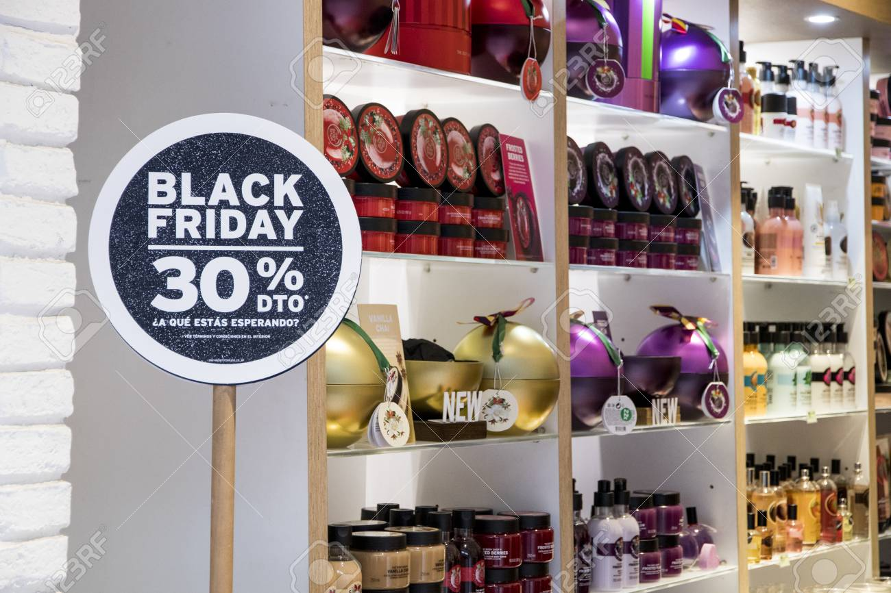 Store En Stock Seville Spain Store Showcase During Black Friday An Informal