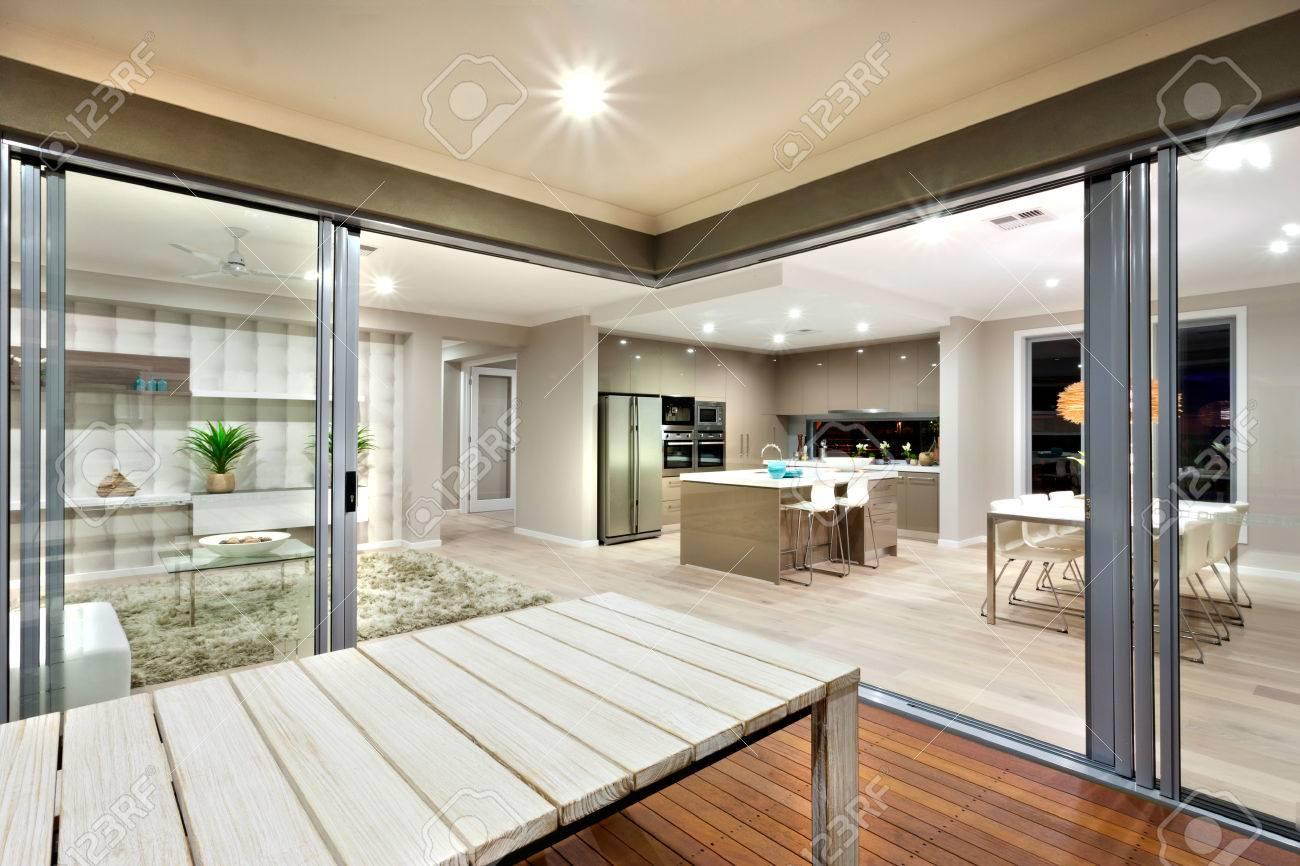 Zona soggiorno cucina a444 ampio soggiorno con cucina abitabile in