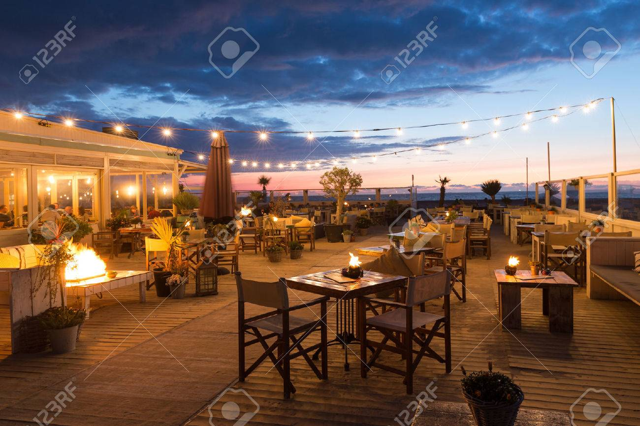 Scheveningen Restaurants Scheveningen The Netherlands Apr 30 Sea Sunset With People Eating