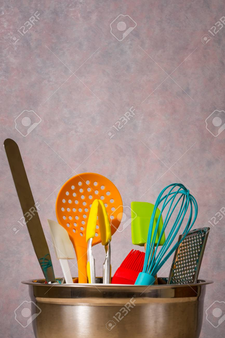 Bunte Küchenutensilien Stock Photo