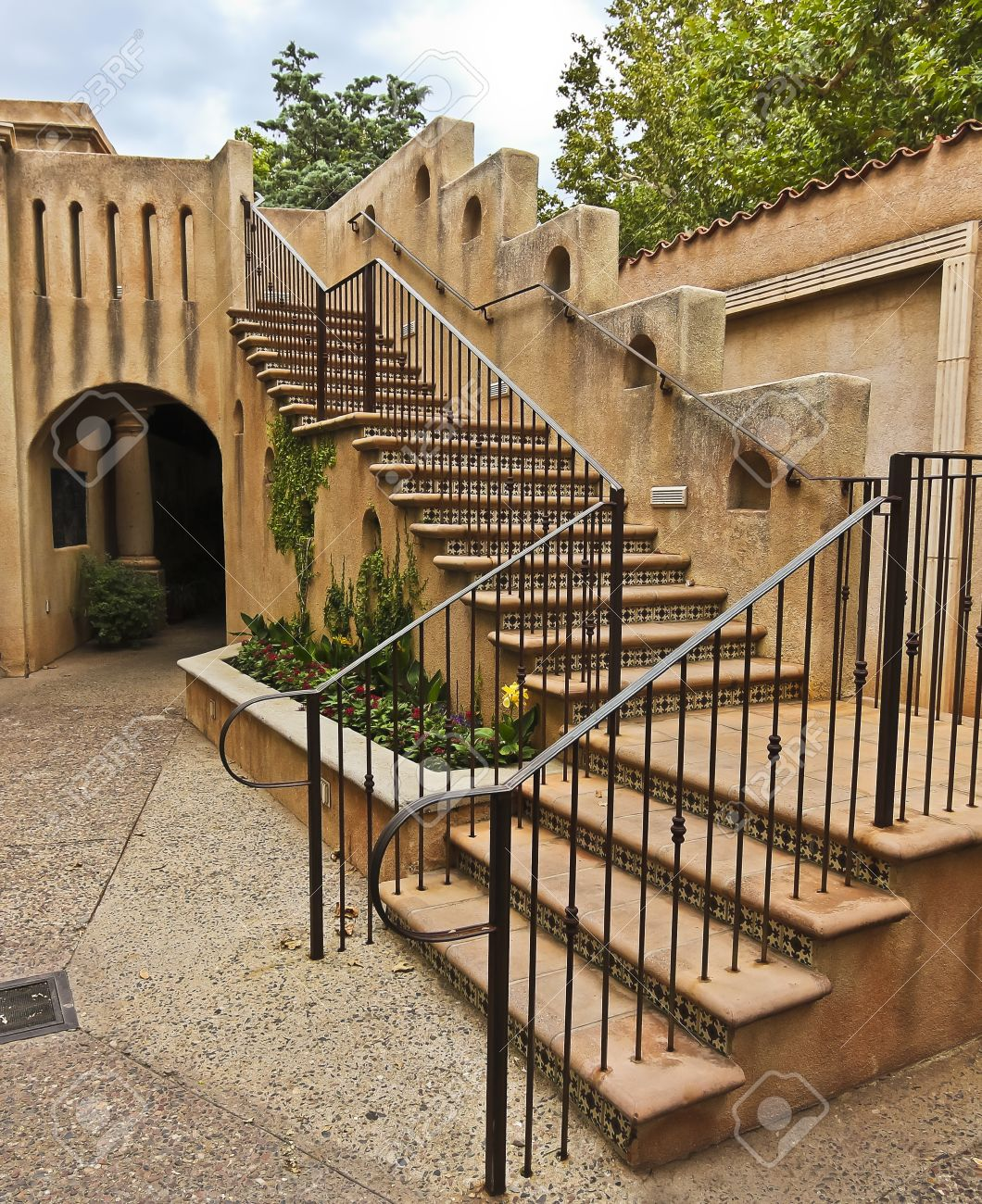 Engrossing 13576082 A Courtyard Staircase Sedona Arizona On July 26 2 Spanish Colonial Architecture History Spanish Colonial Architecture Plans Spanish Colonial Architecture At Tlaquepaque houzz-02 Spanish Colonial Architecture