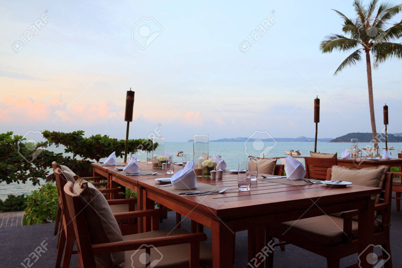 Reastaurant Tables Outdoor Restaurant Tables Dinner Setting At The Beach On Sunset