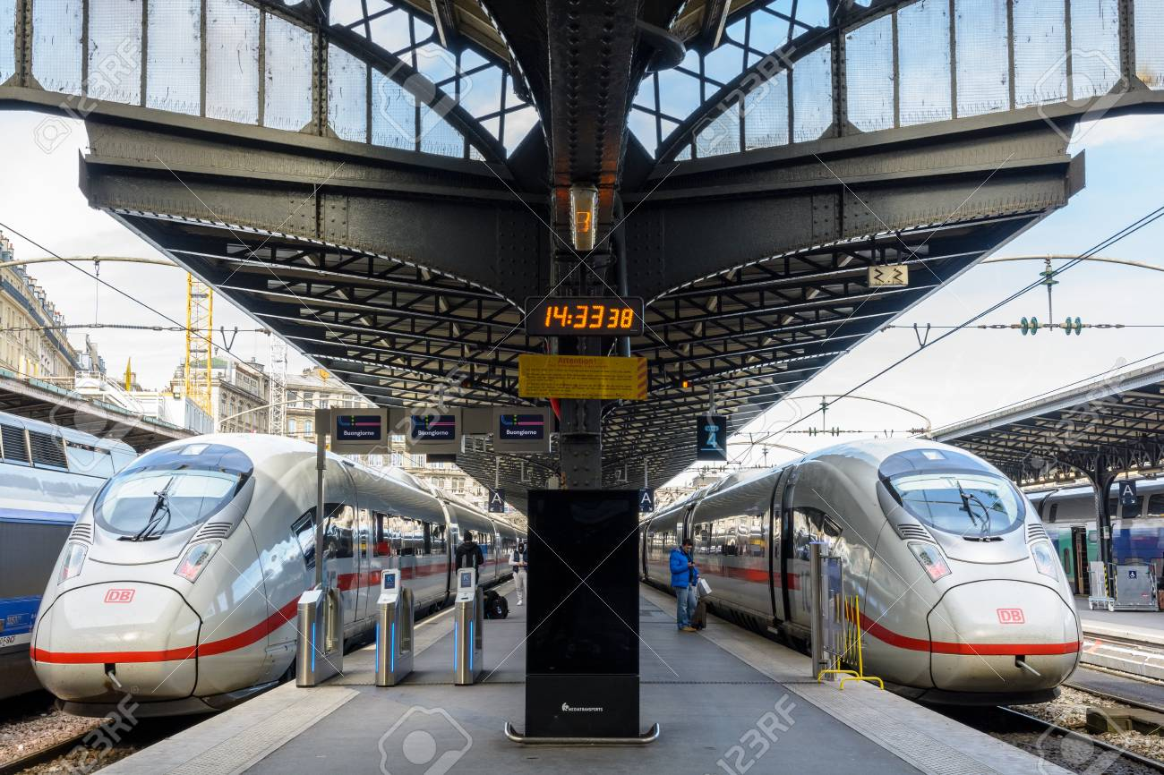 Paris Train Paris France March 14 2018 Two Ice Bullet Trains From The