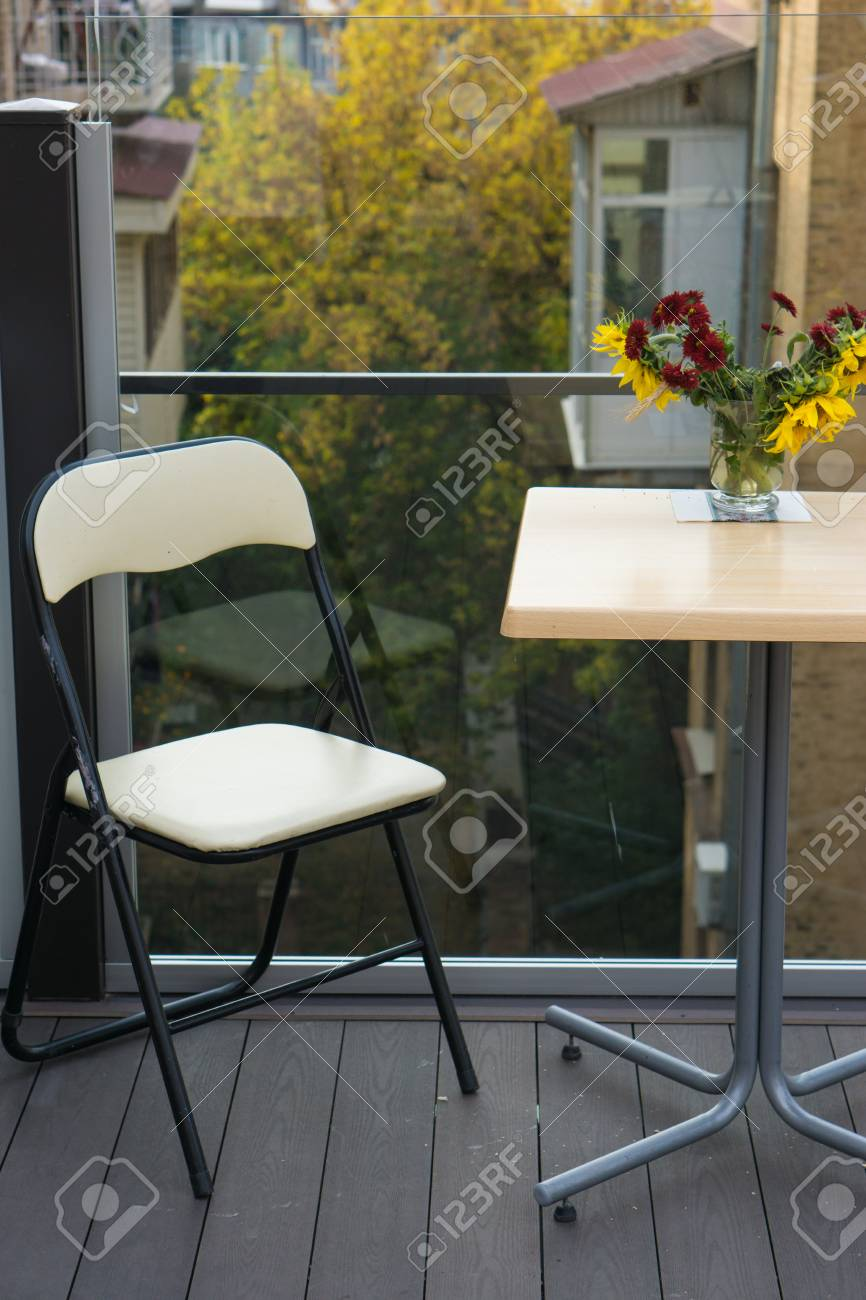Couchtisch Balkon Stock Photo