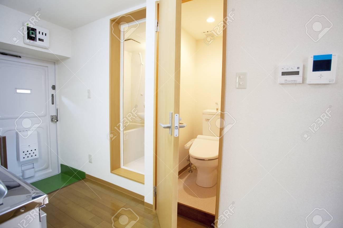 Badkamer Renovatie Deurne : Badkamer renovatie voor en na badkamers sanitair