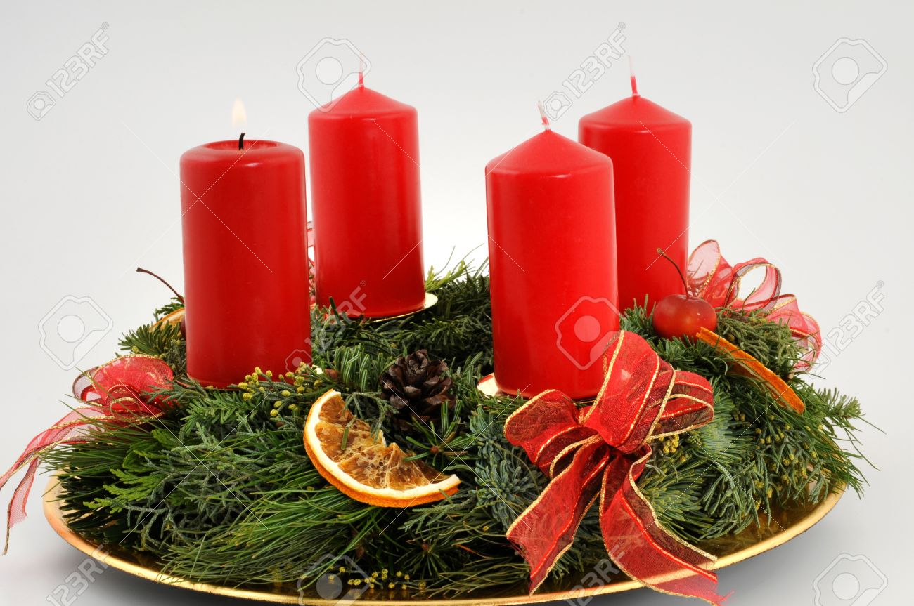 Kerzen Für Adventskranz Adventskranz Mit Roten Kerzen Advent Wreath With Red Candles