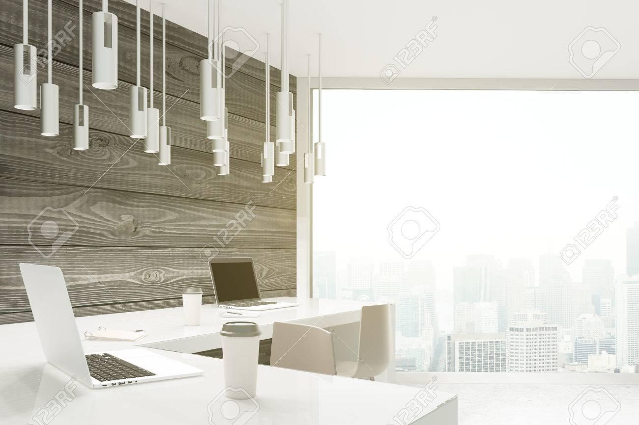 Planche de bois bureau le lambris transforme les murs leroy merlin