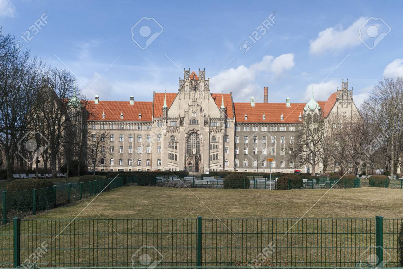 Berlin Gothic District Court In Berlin Wedding Gothic Revival Rudolf Moennich