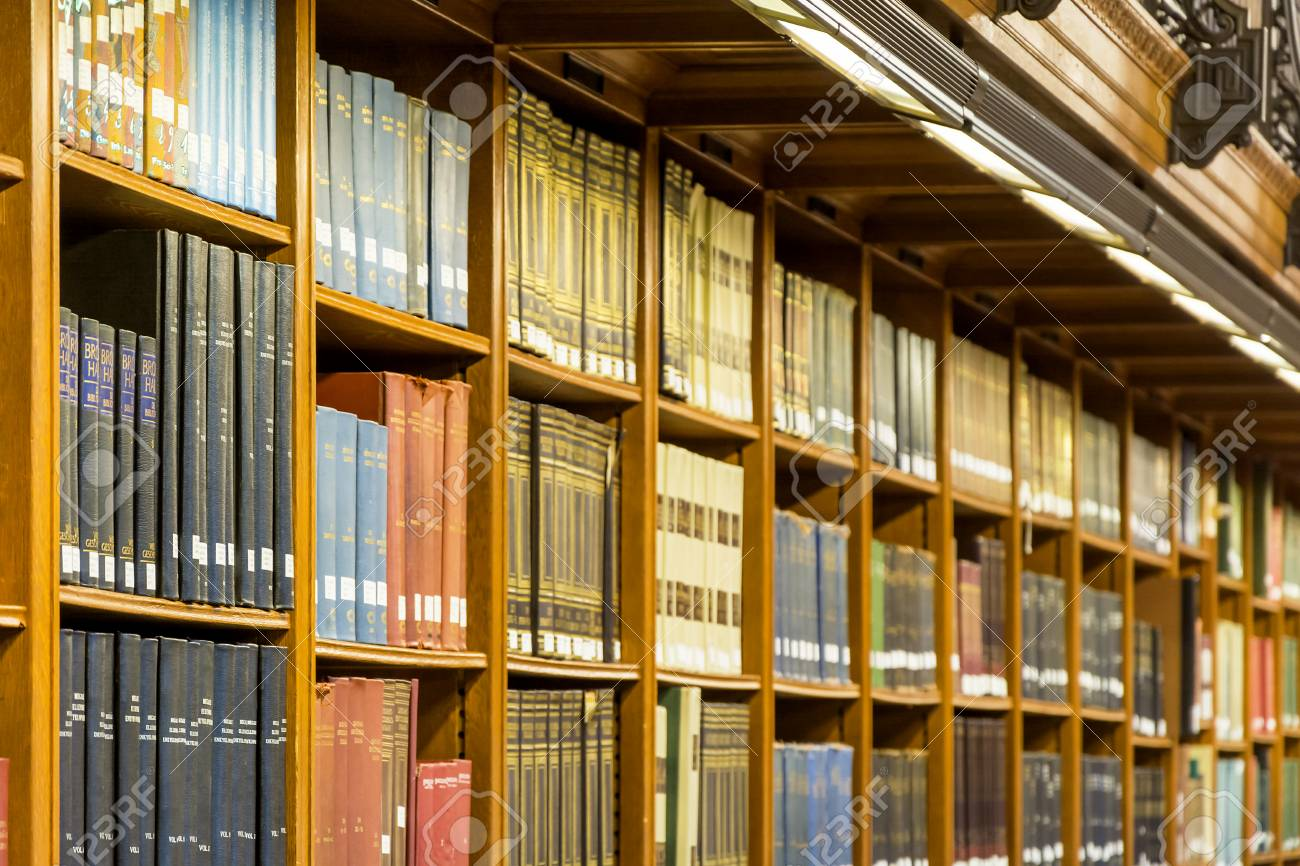 Altes Bücherregal Stock Photo