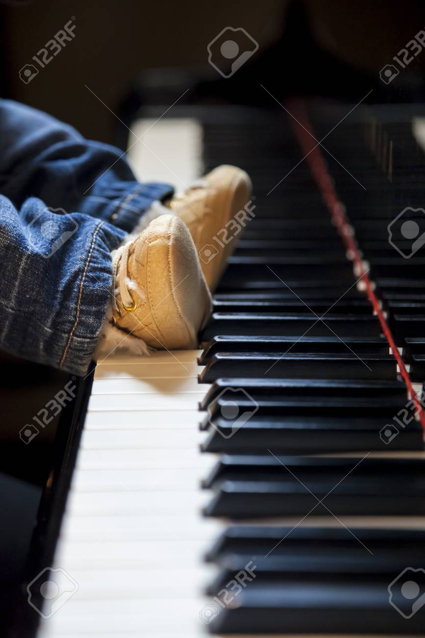 How To Play Newborn On Piano Newborn Kid Feet Trying To Play Classic Piano