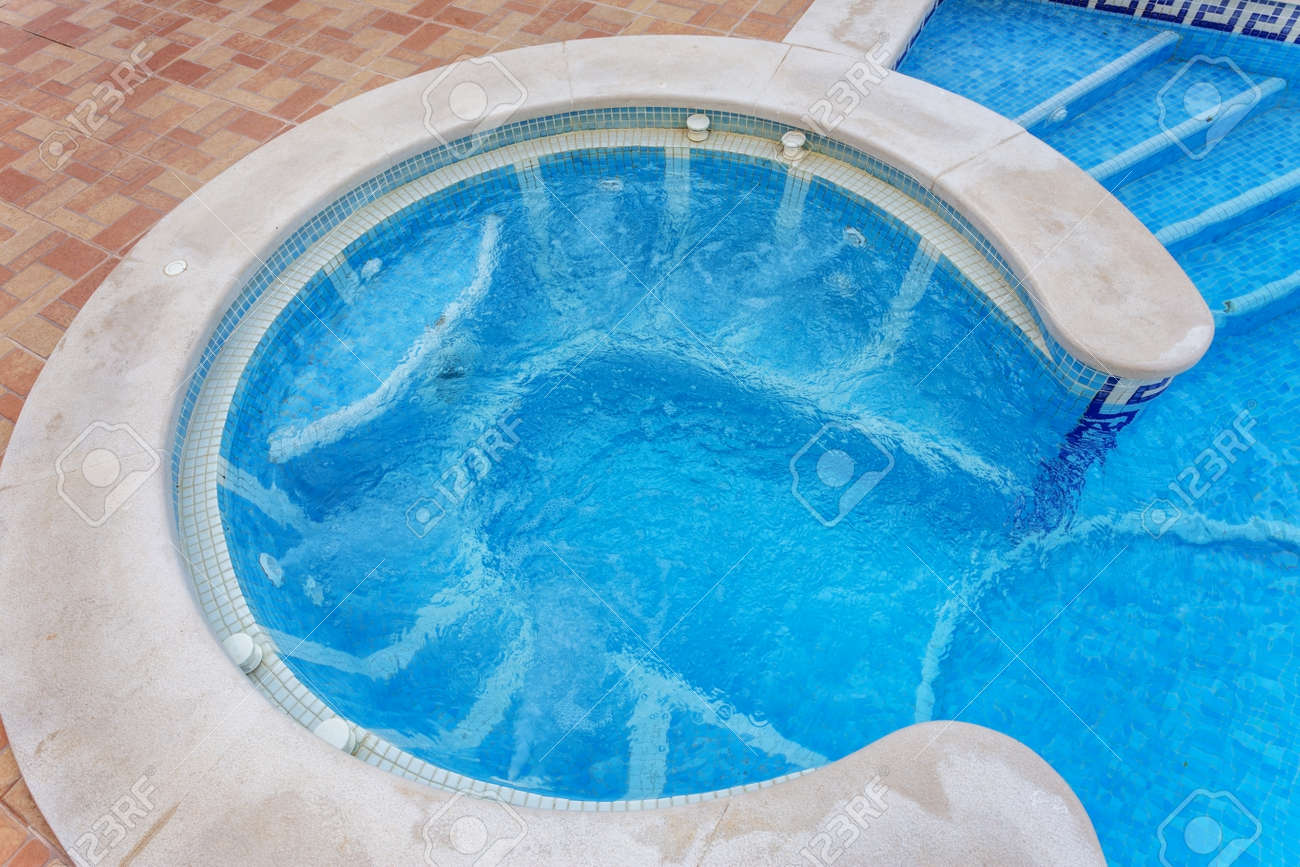 Jacuzzi In The Pool Jacuzzi For Massage Built In Pool
