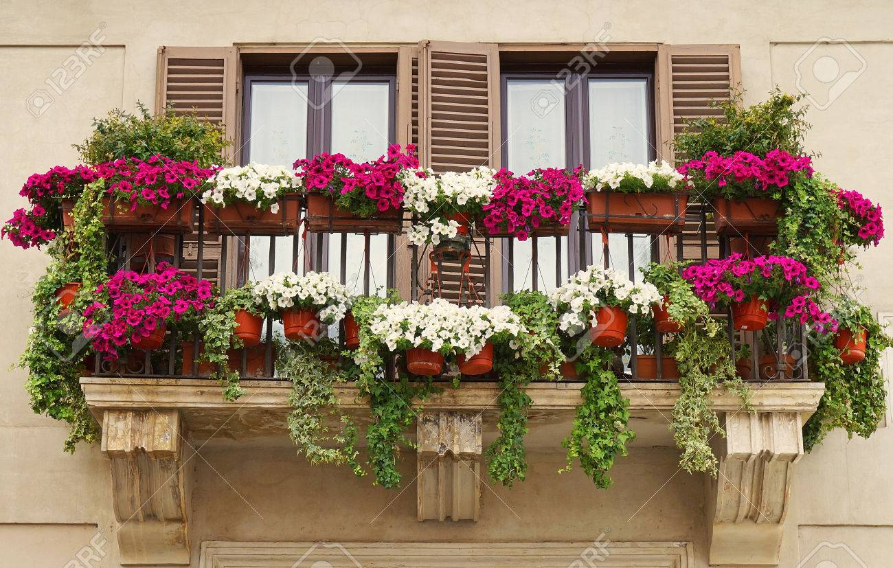 Schöner Balkon Stock Photo