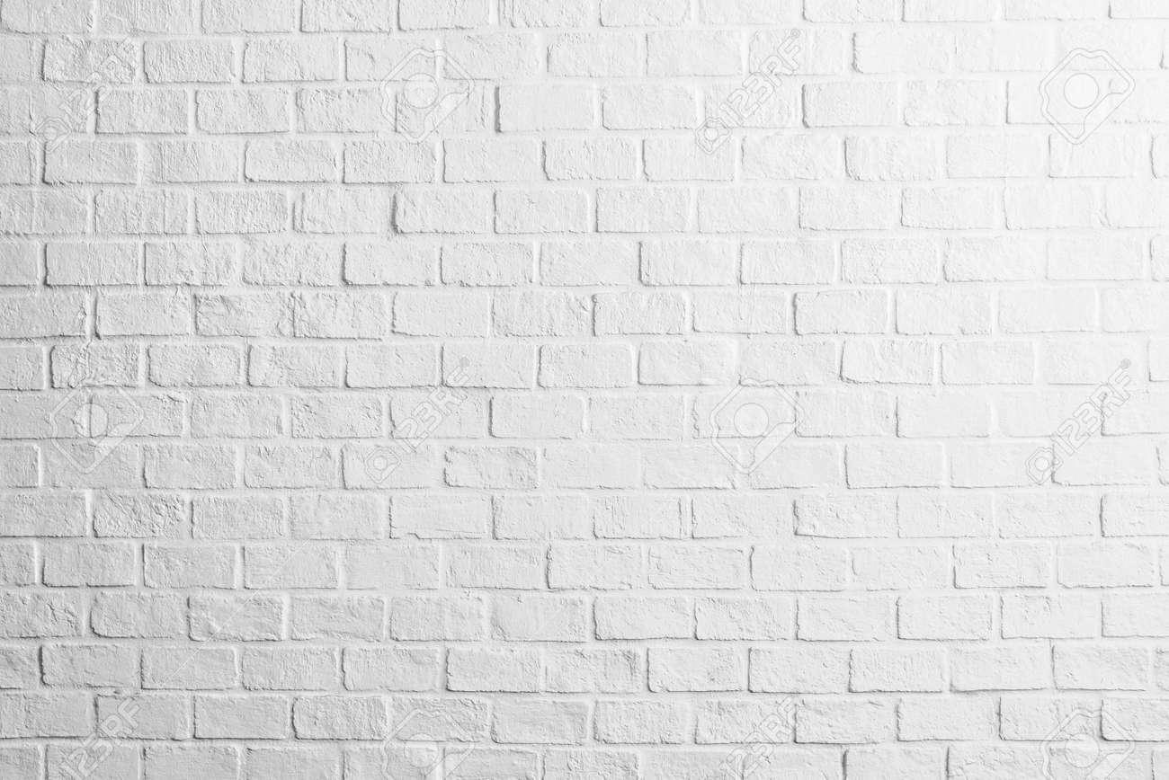 Pared Blanca Mural Interior A Carboncillo Sobre Pared Blanca