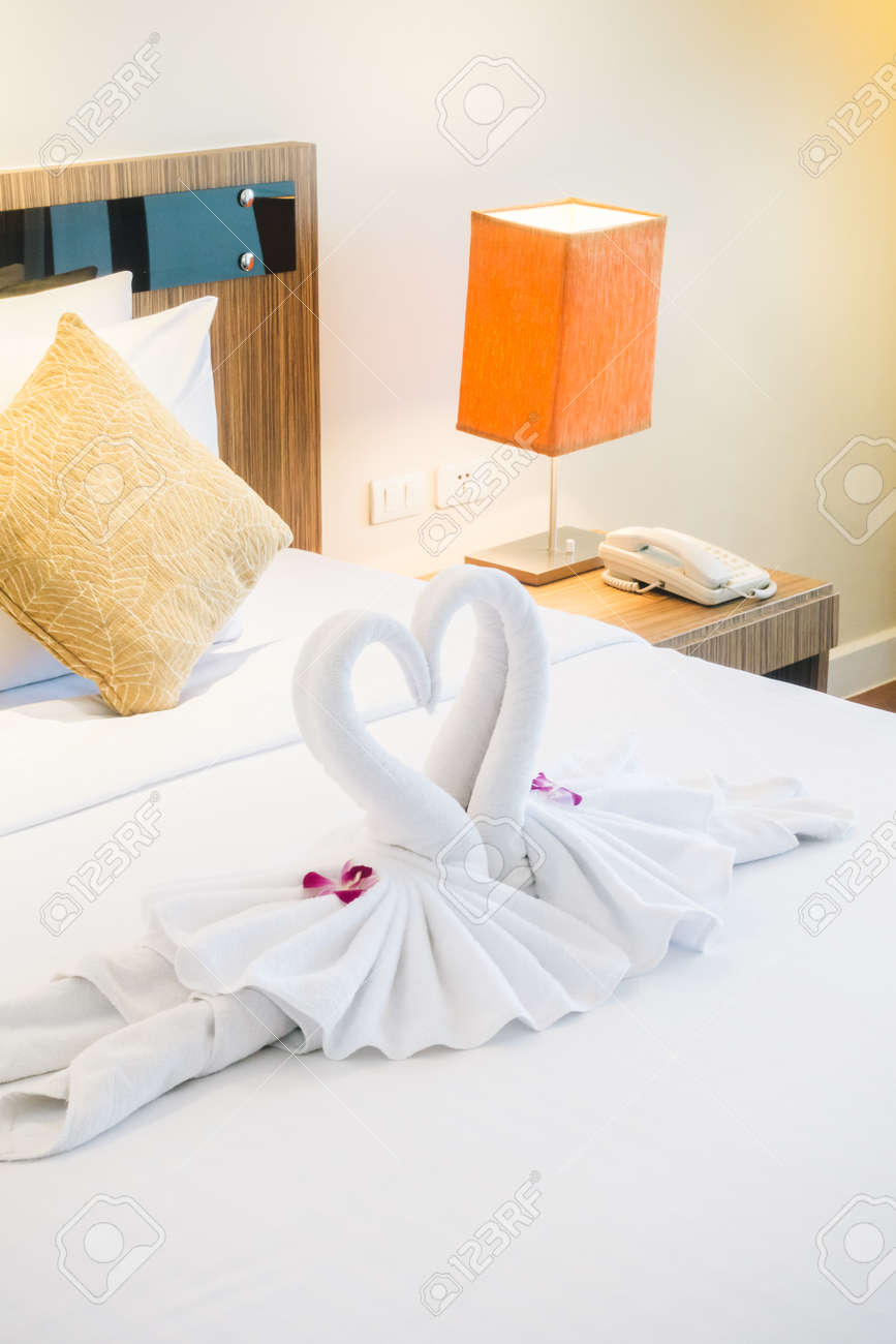 Bett Dekorieren Stock Photo