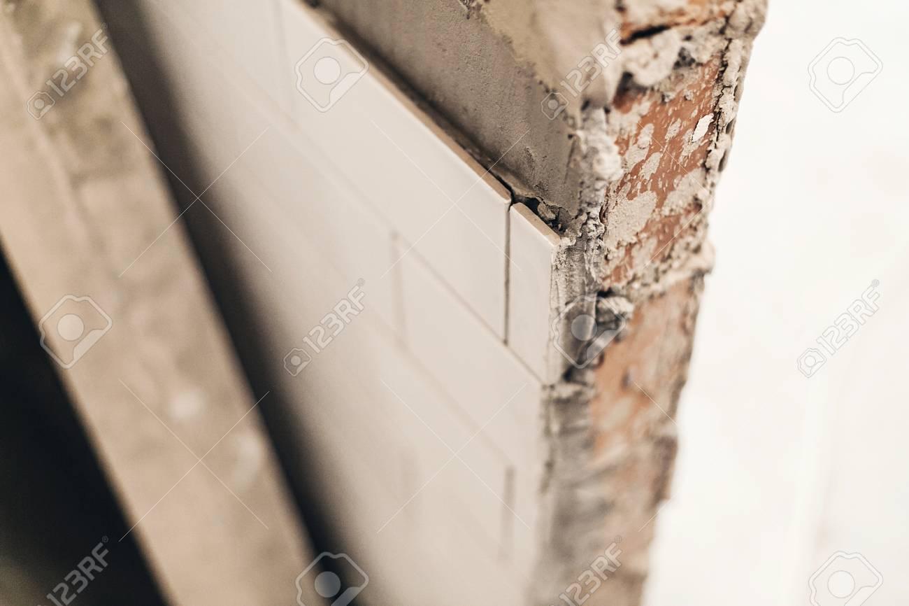 Fußboden Fliesen Ausbessern ~ Weiße bodenfliesen ausbessern picobello picobello fliesen