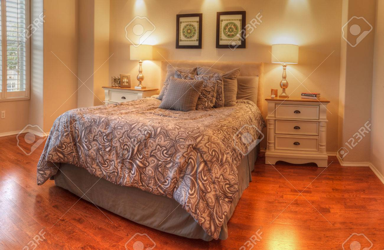Feng Shui Orange Schlafzimmer Stock Photo