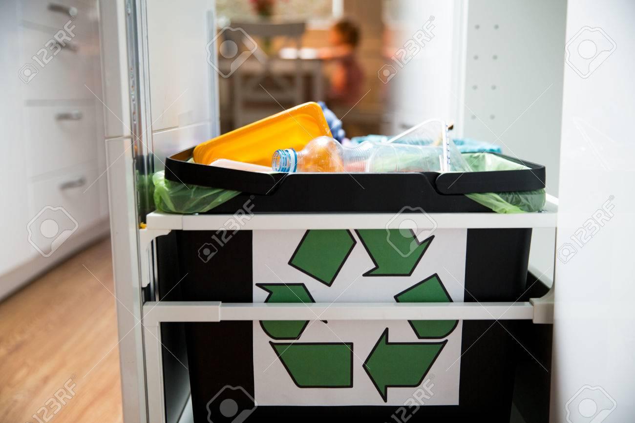 Kuchenschrank Mull Abfalltrennung Kuche Kaufen Kuchenstudio
