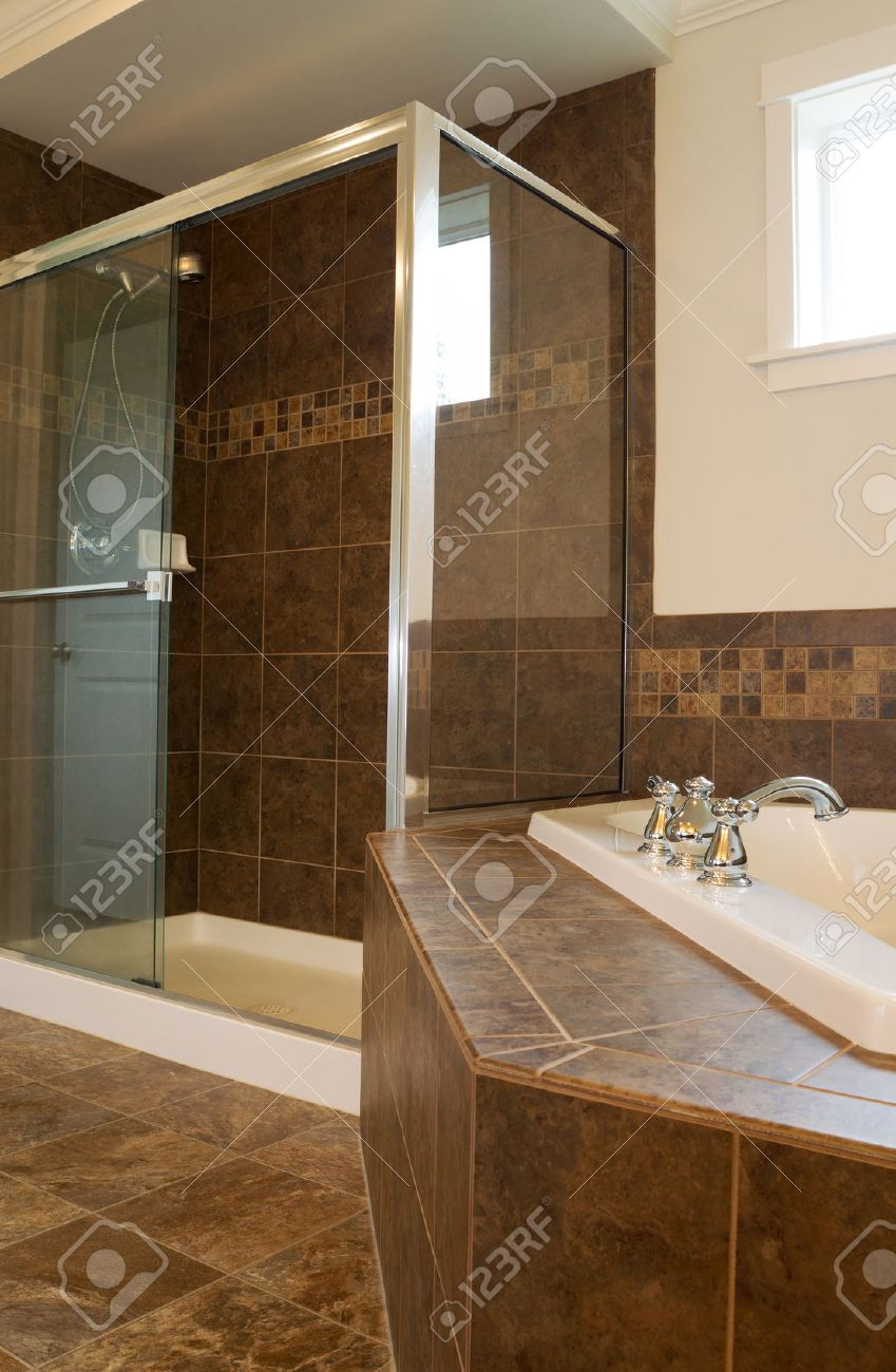 Soak Badkamer Vertical Photo Of Walk In Glass Shower In Master Bathroom With
