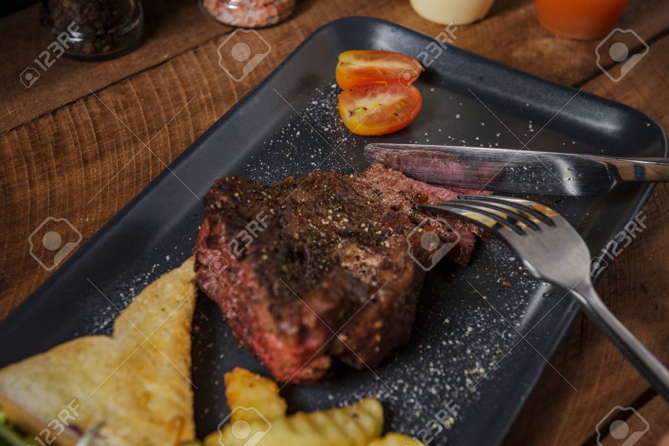 Beef Stock Kaufen Buffalo Meat Steak On Wood