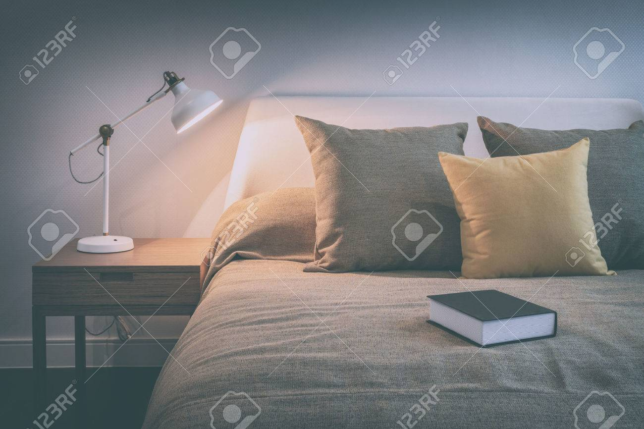 Leselampen Schlafzimmer Stock Photo