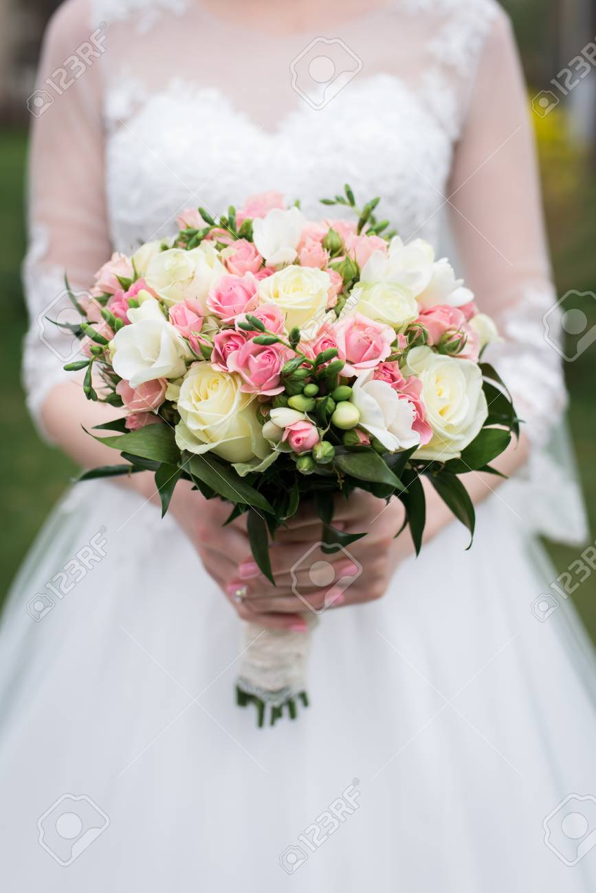 Hochzeitsstrauß Rosen Rosa Bridal Bouquet With White And Pink Roses Wedding The Bride