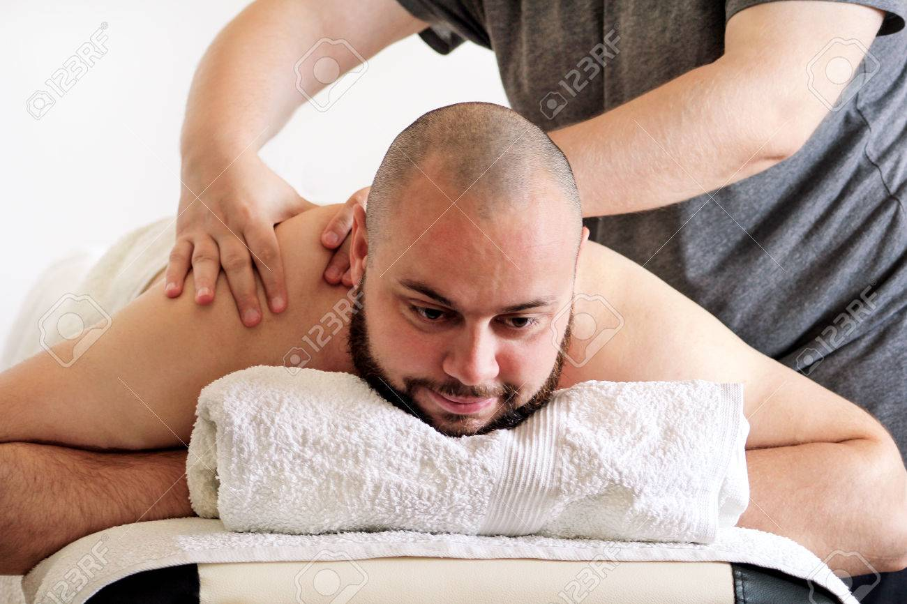 Salon Massage Body Body Massage Studio Sports Massage Massage Therapist Massaging Shoulders
