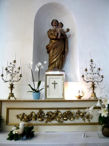 Statue de la Vierge Marie à l'autel de la Présence réelle