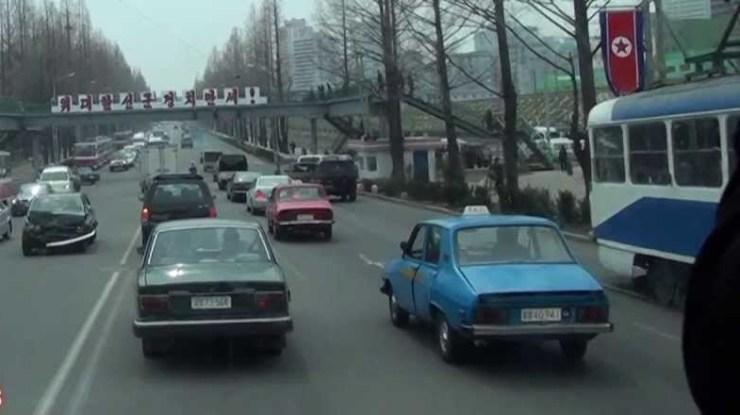 Carros-coreia-do-norte-dprk (3)