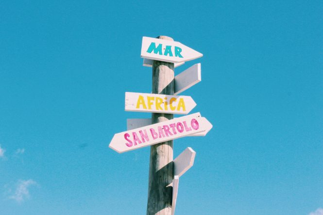Placa na África para a Espanha