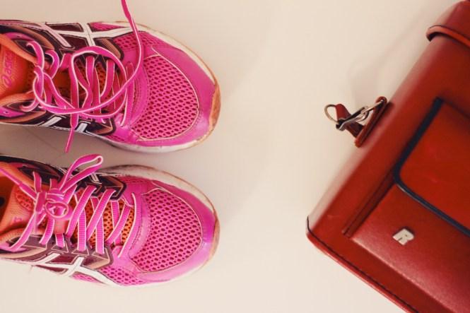 TK Maxx - tênis Asics rosa e laranja