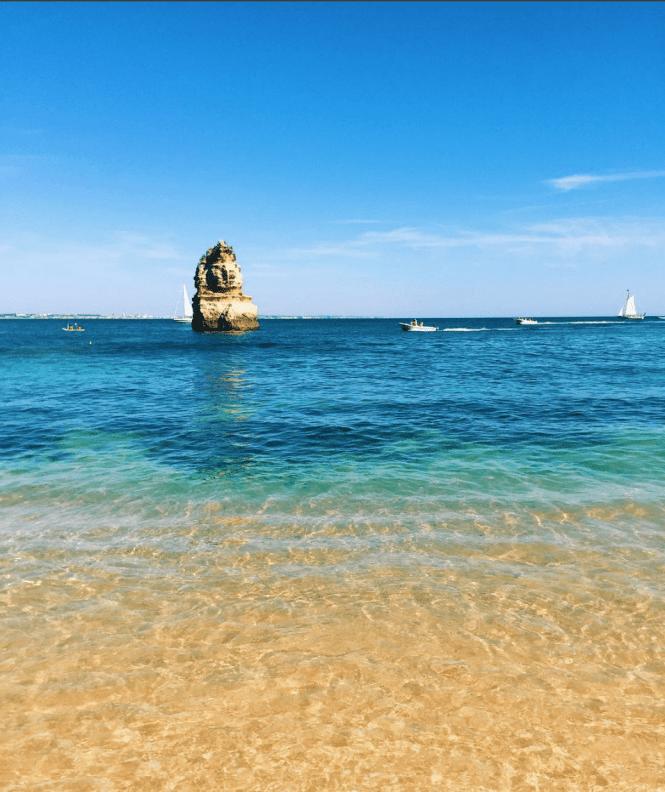 Vista da Praia do Camilo, em Lagos, Algarve, Portugal