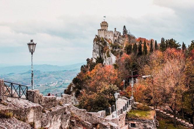 Castelo de San Marino no Outono
